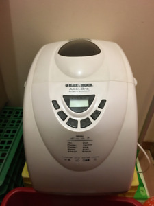 BREAD MAKER- Black & Decker