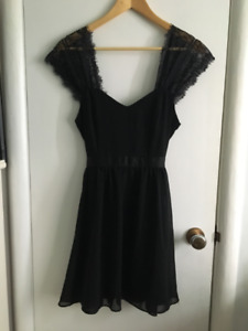 Set of Women's Dresses (5)