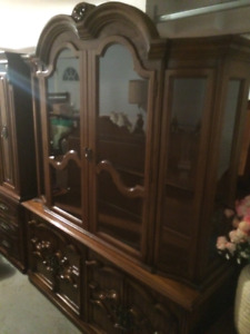 BEAUTIFUL BUFFET AND HUTCH ***NEW PRICE***