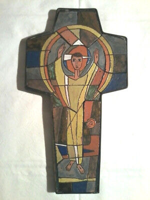 LARGE VINTAGE OOAK SWISS EARTHENWARE PRIESTS WALL CHURCH CRUCIFIX