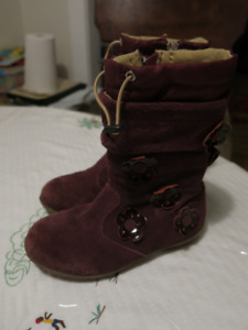 Hush Puppies toddler boots (size 11)