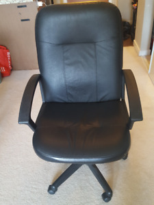 GLOBAL HIGH-BACK OFFICE CHAIR - Like new