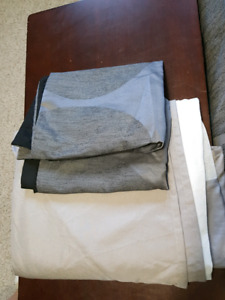 King size bed skirt and 2 pillow cases.