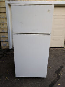 NICE GE FRIDGE FOR SALE