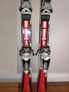 Alpine skis / ladies boots / helmet for sale Skis alpins, bottes