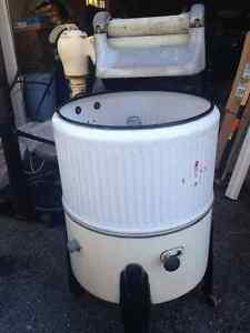 Antique washing machine-it works!!