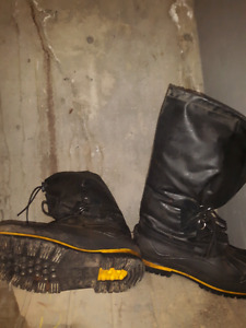 Men's baffin insulated work  boots