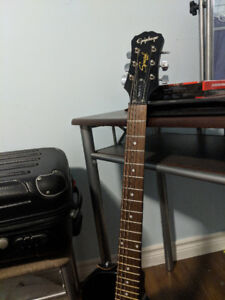 Mint Epiphone Special II with amp, bag and cords