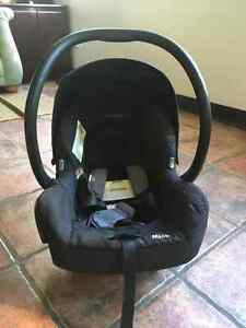 MAXI COSI Baby car seat exp. 2022/ coquille banc d'auto West Island Greater Montréal image 1