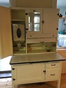 Knecktel kitchen cabinet