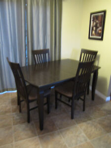 Ding room table and chairs