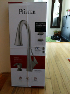 Pfister - Venturi Kitchen Faucet - priced to sell!!!