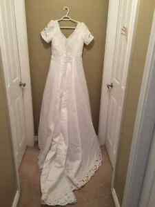 Wedding Dress - Chilliwack $200