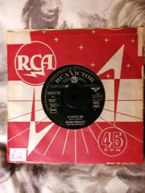 Elvis Vinyll for sale.