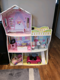 Wooden Doll house with furniture and two doll cars