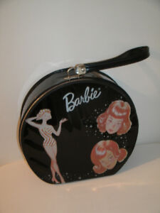 Vintage 1960s Barbie carrying case