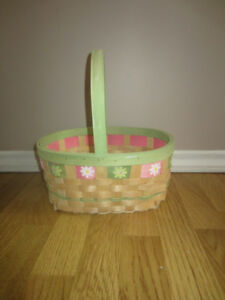 BASKET WITH FLOWERS - LIKE NEW!