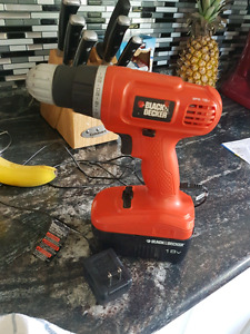 Black & Decker 18v Drill w/Charger