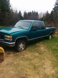 1996 GMC 4x4 400$ or 1200$ for plow and truck