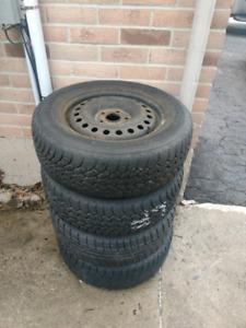 225 60 16 Honda Odyssey winter tires