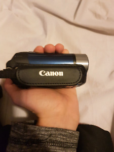 Canon Video/picture  Camera (Blue) 16gb SD card and Case