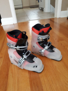 Skiis + Boots (Girls)