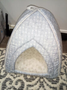 Cat bed or tent