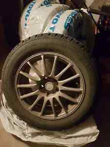 Selling 4 Avalanche X-treme Winter tires (215/60R16)