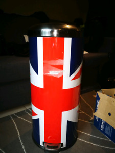 Union Jack Garbage Can
