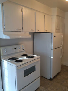West End- Denman - Large, Spacious One Bedroom (937sqft)