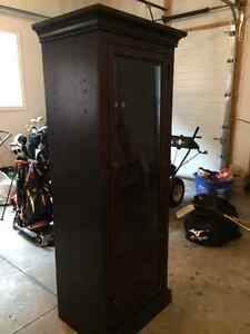 Tall Cabinet for TV or gaming components Kitchener / Waterloo Kitchener Area image 1