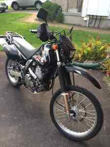 2011 DR 650 SE. Mint Condition. Many add-ons
