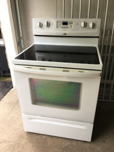 Whirlpool free standing electric glass ceramic top stove oven