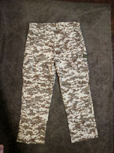 New motorcycle pants size 40US