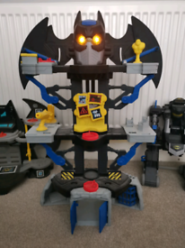 Imaginext transformable bat-bot and transforming batcave plus more