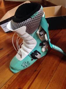 Womens ski boots Full Tilt 24.5