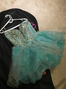 Sherri Hill Size 14 prom dress short beaded blue