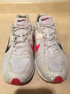 Women's Nike Zoom Air Marathoner Running Shoes Size 9.5  London Ontario image 4