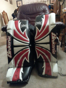 COMPLETE HIGH END GOALIE EQUIPMENT