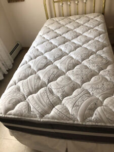 Twin Bed with Excellent Beautyrest matress fairly new