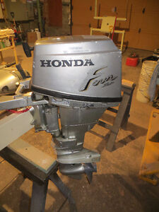 honda 4temps 15hp.