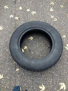 2 pneu d'hiver toyo 235/65/17