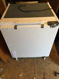 Integretead fridge Keenwood