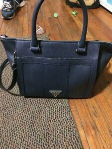 Guess Purse - great condition London Ontario image 1