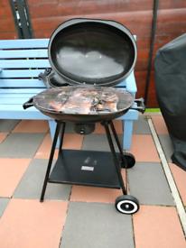 Charcoal drum BBQ