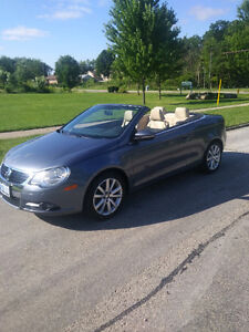 2010 Volkswagen Eos 2 door Convertible