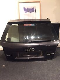 Audi a3 8p bootlid tailgate complete with wiper arm, glass & wiper motor