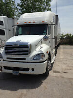 2007 White Freightliner Columbia Heavy Truck
