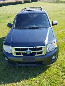 2008 Ford Escape XLT Suv •WINTER TIRES• London Ontario image 1