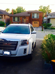 White GMC Terrain in Mint Condition
